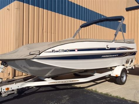 Deck Boat For Sale In Wisconsin by Princecraft New And Used Boats For Sale In Wisconsin