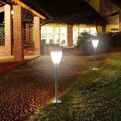 luce solare per giardino luce da giardino a energia solare sunway