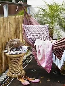 hangematte auf dem balkon urlaub zu hause archzinenet With balkon teppich mit schöne decke tapete