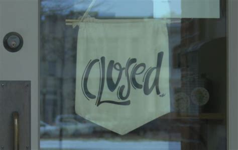 local businesses close store fronts   covid