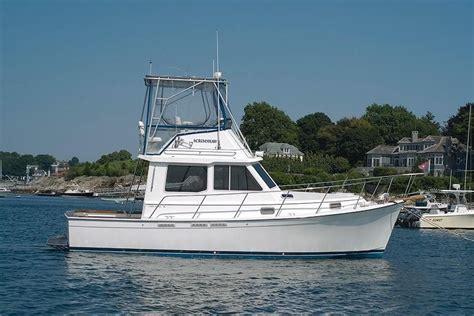 cape dory  flybridge hardtop trawler boat