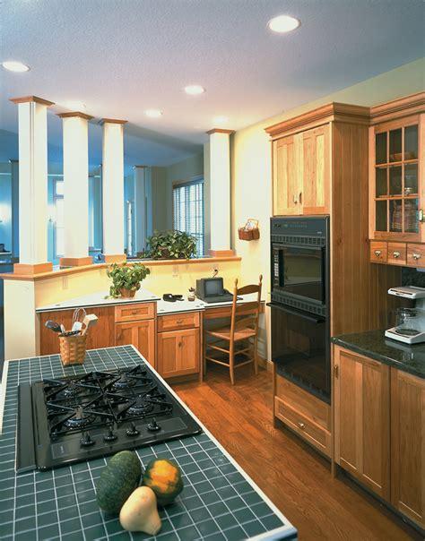 Kitchen & Floor Plan