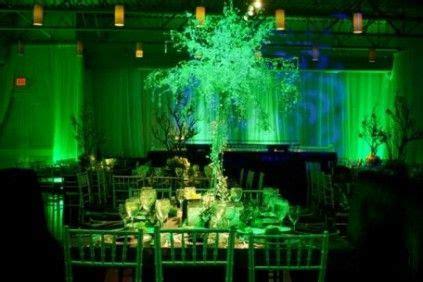 emerald green  color   pms  color