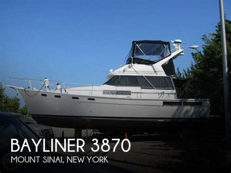 New York Boat Show Review by Bayliner 3870 For Sale In Mount Sinai Ny For 54 900