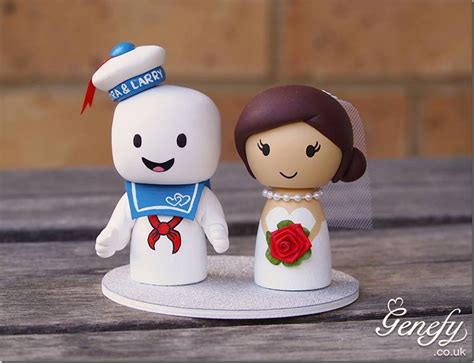 adorable stay puft marshmallow man wedding cake topper