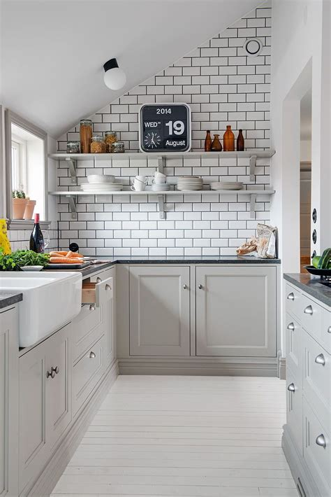 kitchen tiles grey kitchen and bath backsplash trends what s by jigsaw 3329