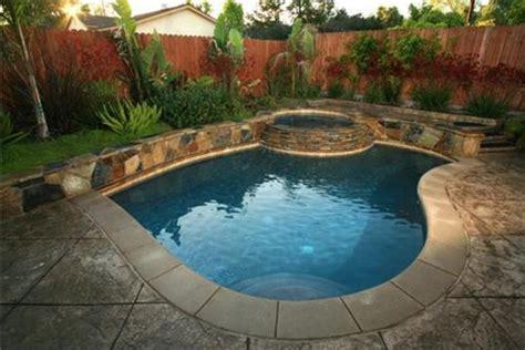 beautiful small pools   backyard