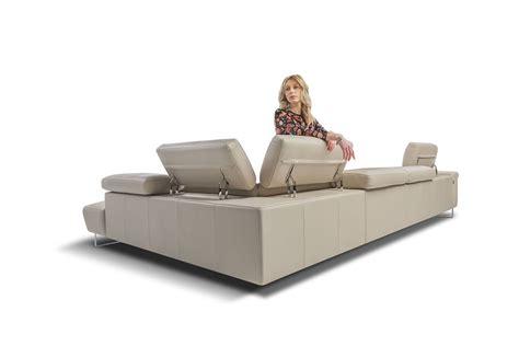 divanetti in pelle divano angolare in pelle con poggiatesta idfdesign