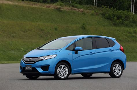 Non-us 2015 Honda Fit Hybrid Unveiled