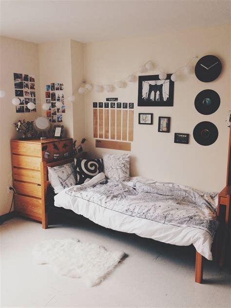 A place for college students to get decoration inspiration, advice, and to all of your coming over from pinterest: New York University's Freshman Residence Hall, Founders.   Dorm room color schemes, Dorm room ...