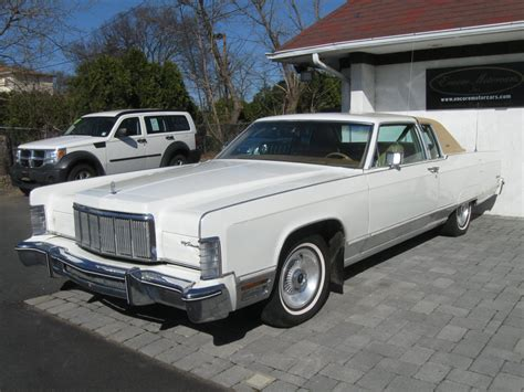 1975 Lincoln Continental - Information and photos - MOMENTcar