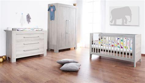 armoire pour chambre enfant armoire pour chambre b 233 b 233 chambre id 233 es de