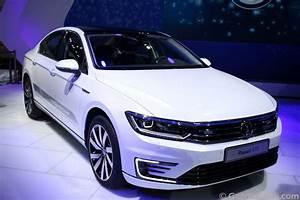 Volkswagen Passat Gte : volkswagen passat gte unveiled at 2016 delhi auto expo launch later this year ~ Medecine-chirurgie-esthetiques.com Avis de Voitures