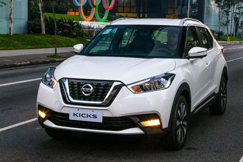 nissan kicks suv  review auto express