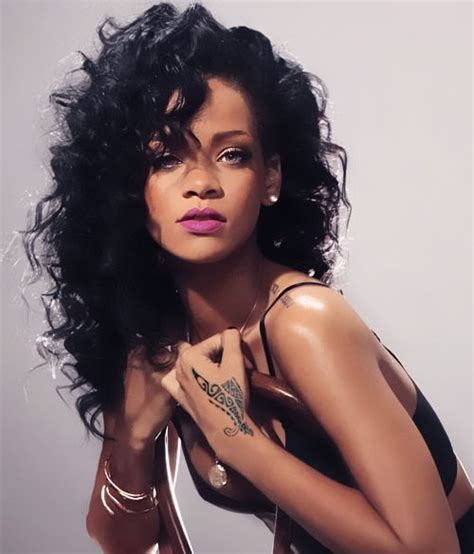 Rihanna black curly hair   Prepare to dye   Pinterest