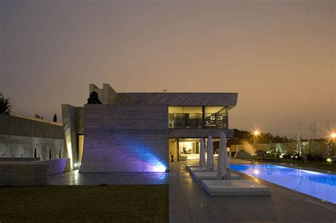 Modern House In Spain By A Cero by The Concrete Open Box House By A Cero In Madrid Spain