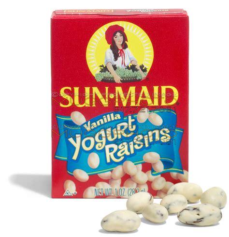sun maid vanilla yogurt raisins | muggphoto