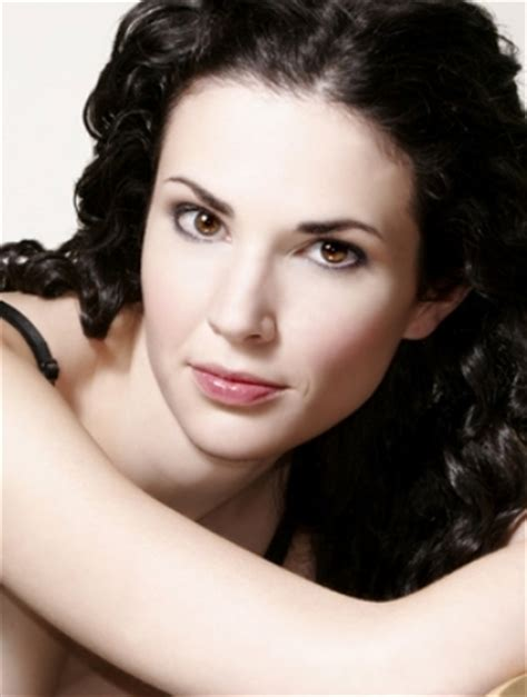 laura mennell bra size age weight height measurements celebrity sizes