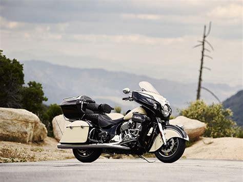 2017 Indian Motorcycle® Roadmaster® Thunder Black Over