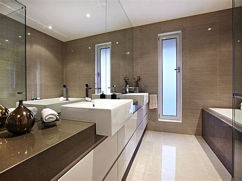 wohnideen bad fliesen modern bathroom design with recessed bath using ceramic bathroom photo 998343
