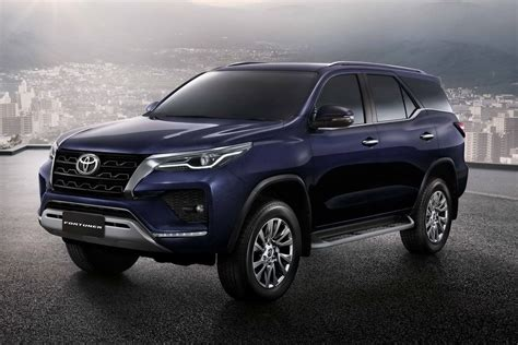 Updated Toyota Fortuner Revealed - Cars.co.za