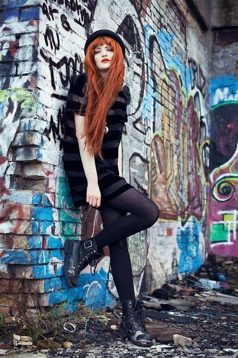 sexy hipster girls  break  status quo barnorama