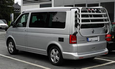 vw california t5 file vw california europe 2 0 tdi t5 facelift heckansicht 30 juli 2011 mettmann jpg