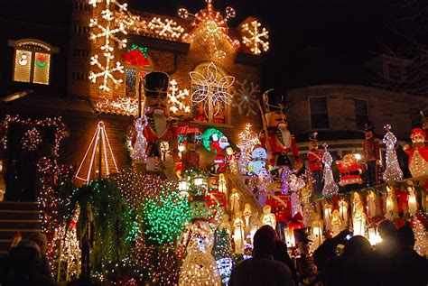 dyker heights brooklyn holiday light show