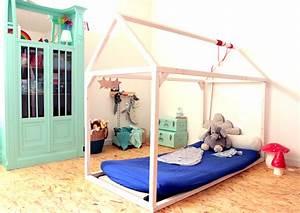 Lit Au Sol Enfant : l espace de jeu du tout petit minuscule infini ~ Preciouscoupons.com Idées de Décoration