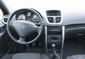 Fiche Technique Peugeot 2008 Essence : fiche technique peugeot 207 1 4 vti 16v 95ch premium ann e 2007 ~ Medecine-chirurgie-esthetiques.com Avis de Voitures