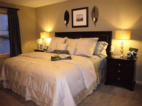 Decorating Pictures For Master Bedroom by Small Master Bedroom Ideas For Decorating Midcityeast