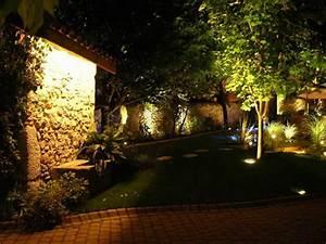 Eclairage Exterieur Jardin : eclairage par led ~ Melissatoandfro.com Idées de Décoration