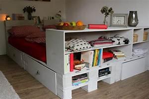 Bett Aus Holzpaletten : palettenbett bauen hier kannst du dein palettenbett ~ Michelbontemps.com Haus und Dekorationen