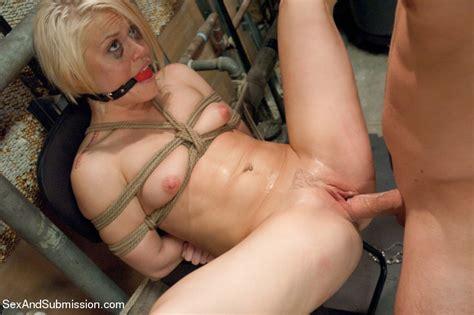 Hot Blonde Sucks Dick In Locker Room And Ge Xxx Dessert
