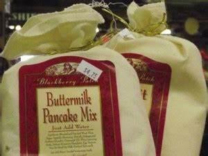 Schimmelflecken Kleidung Entfernen : so entfernt man stockflecken mit buttermilch ~ Lizthompson.info Haus und Dekorationen