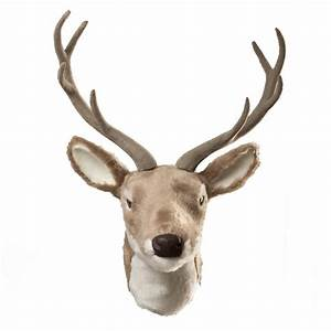 wall hanging reindeer head by the christmas home