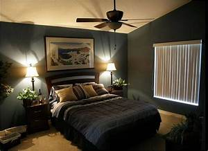Romantic bedroom decorating ideas suare wooden stained end for Decorating bedroom ideas