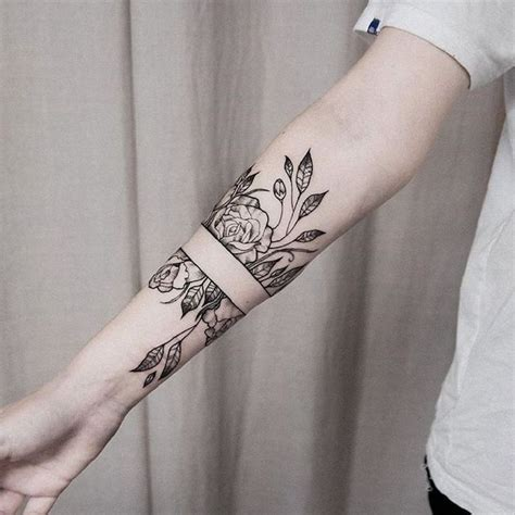 arm frau die schnsten armband tattoos fr frauen tattoos t
