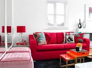 salon blanc et rouge cool indogatecom salle de bain frise With tapis persan avec canapé clic clac cinna