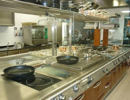 ventilation cuisine professionnelle cuisine professionnelle friteuse lave vaisselle