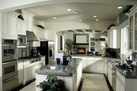 41 Luxury Ushaped Kitchen Designs & Layouts (photos