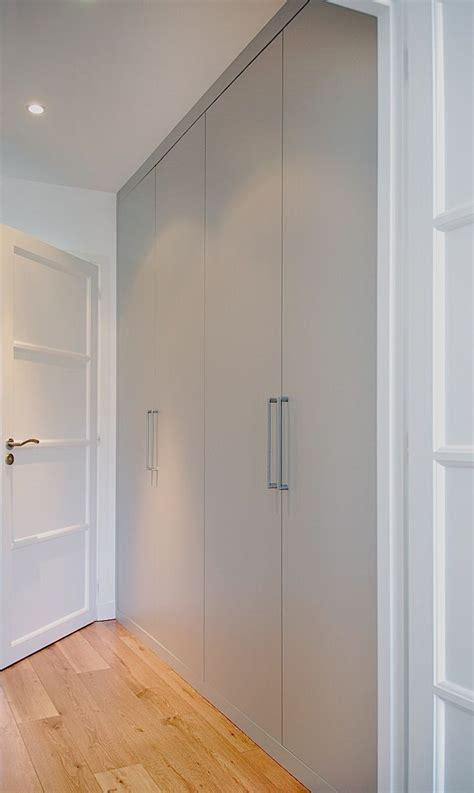 porte placard chambre les 25 meilleures idées concernant portes de placard sur