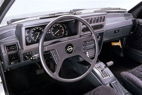 opel rekord interior opel rekord caravan 2 2i ls automatic 1984 1986 115
