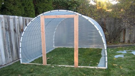 Diy pvc greenhouse… so last year, after i made the decision to start farming our land, i had to come up with a plan of how to get to the farmer's market as early as possible with a nice verity of. DIY PVC Greenhouse Small PVC Greenhouse Plans, small easy ...