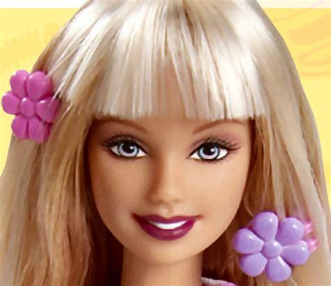 Juego de peluquería con Barbie