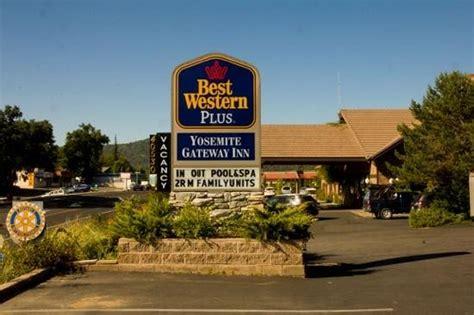 Bears Picture Best Western Plus Yosemite Gateway Inn