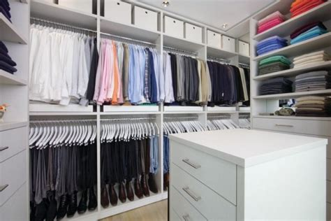 efficiently organizing your closet to find your items quicker