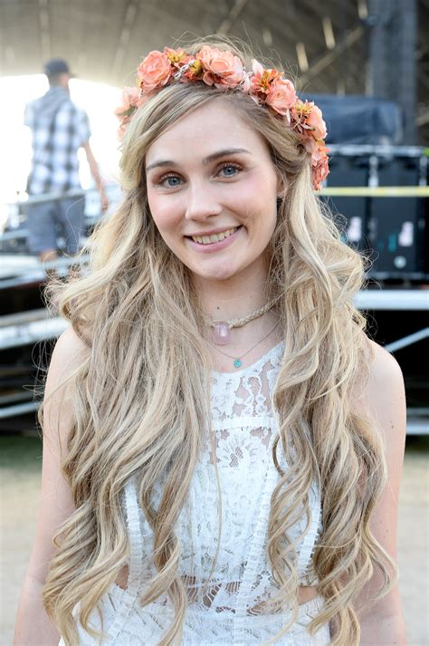 best wallpapers: Clare Bowen Latest HOT Wallpapers