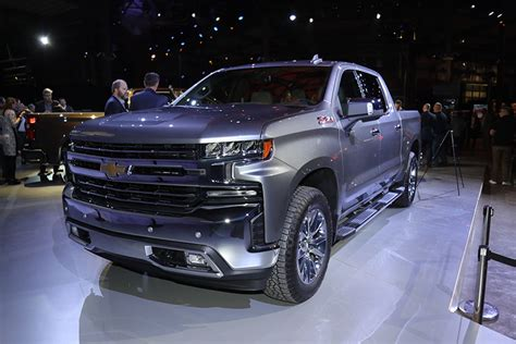 2018 Detroit Auto Show Redesigned Chevrolet Silverado Is