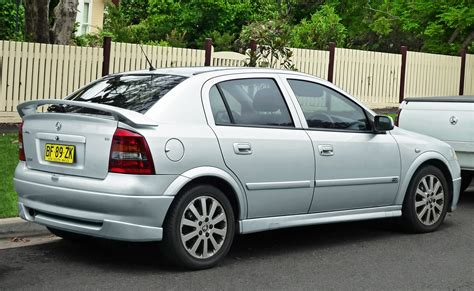 File2002 2004 Holden Astra Ts Cdx 5 Door Hatchback
